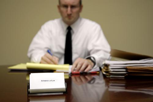 Bei Unklarheiten mit den Steuern lohnt sich ein Anwalt für Steuerrecht